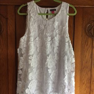 Vince Camuto hi/low sleeveless ultra white size L